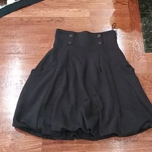 H & M bubbled skirt